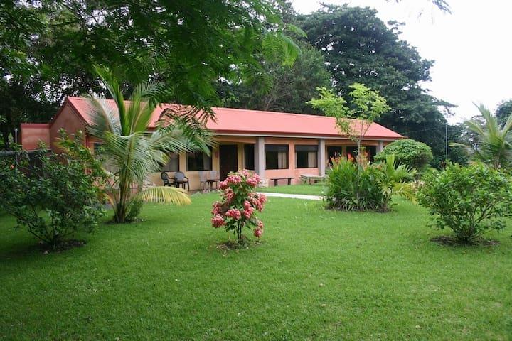 Costa Rica, Lake Arenal - try us! - Tilarán