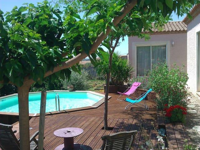 Agréable dépendance avec piscine  - Saint-Génies-de-Fontedit - Villa