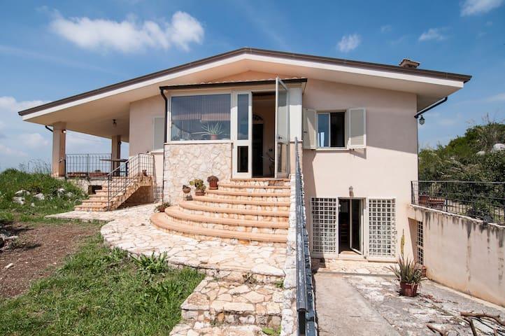Near Sabaudia:Villa/rural house - Priverno - Villa