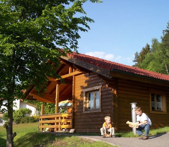Log house in the Bavarian Forest - Stamsried - Houten huisje