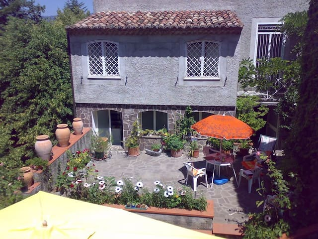 rooms with bathroom  in the park - Rotonda - Appartement