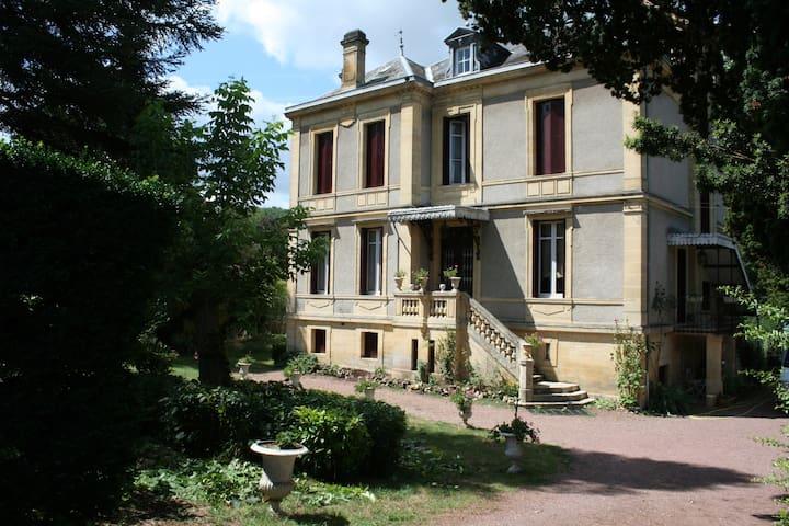 La chambre de Grand-Mère - Couze-et-Saint-Front - Leilighet