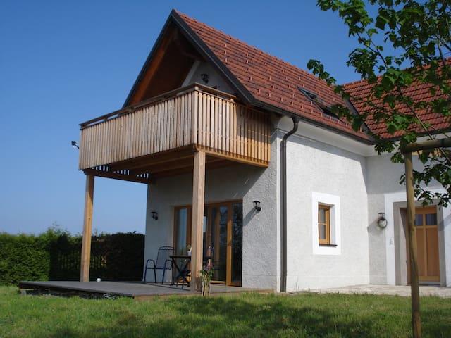 Landhaus am Kälberberg - Fehring - Huis