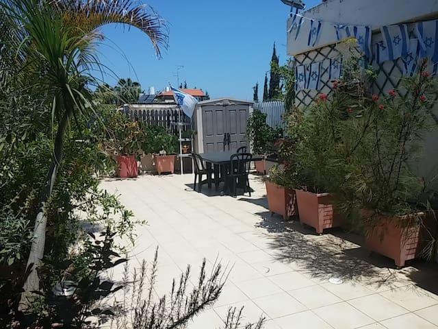 Rooftop studio B&B-Herzliya Center - Herzliyya - Bed & Breakfast