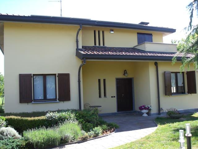 Villa with garden, in of Brianza gr - Besana in Brianza - Vila