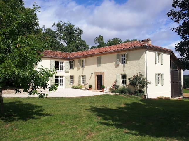 Spectacular Gascon farmhouse - Estipouy - Huis