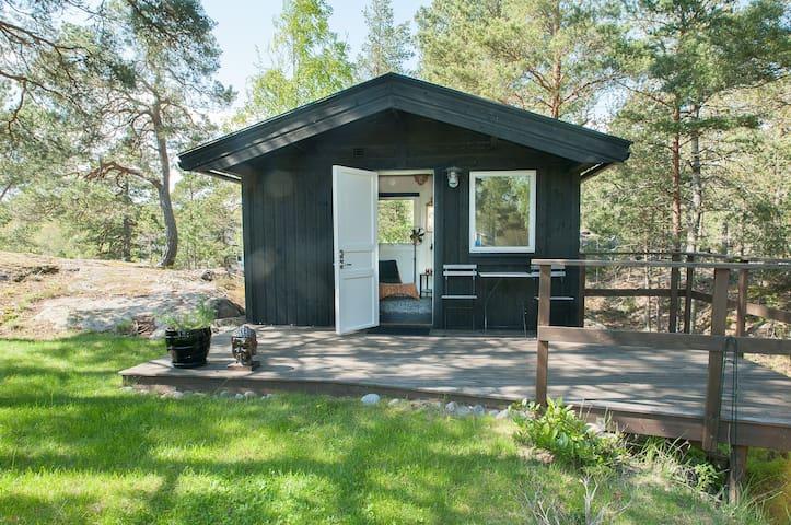 Cabin only 35 min to Stockholm + breakfast + bikes - Ingarö - Dom