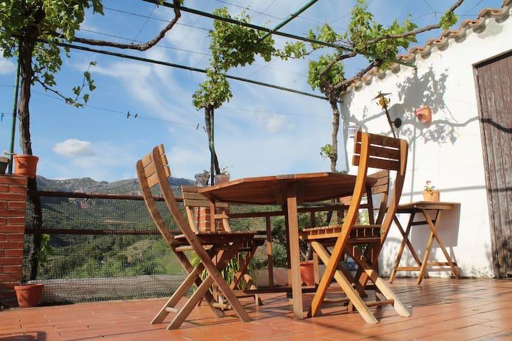 Large village house with terraces - La Vilella Alta - Huis