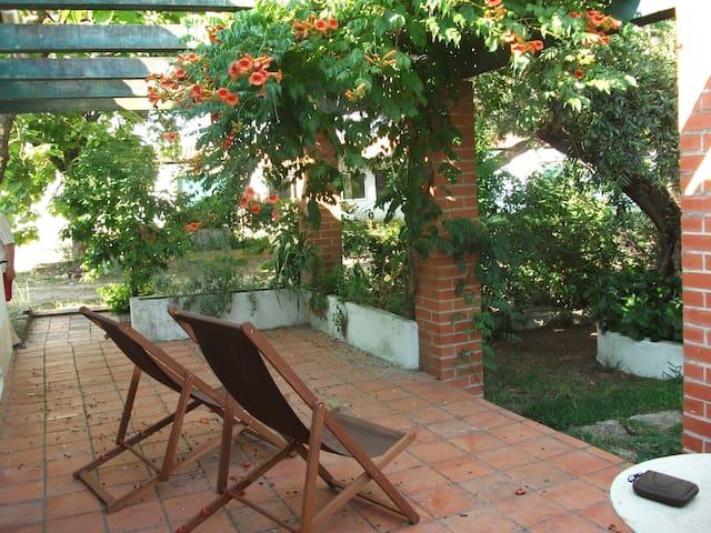 Casinha no Jardim/Casa da Caldeira - Outeiro da Cortiçada