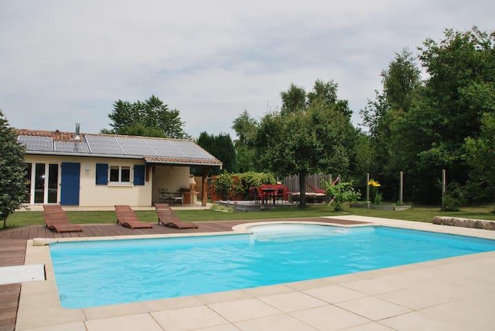 Villa au calme à 15 min de Bordeaux - Quinsac - Huis