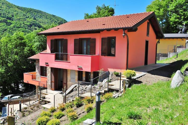 nieuwe villa tussen het meer en de bergen - Valbrona - Villa