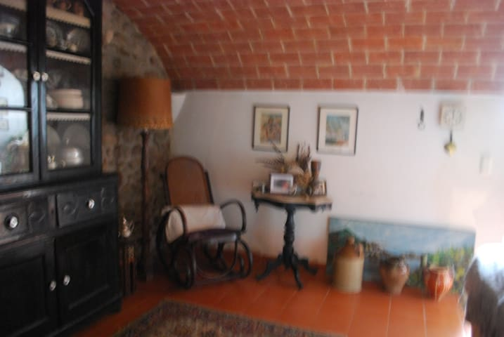 Casa de pueblo, muy acojedora y romantica - Cervià de Ter - Huis