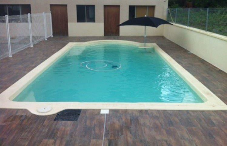 Chambre piémont pyrénéen piscine - Sepx - Casa