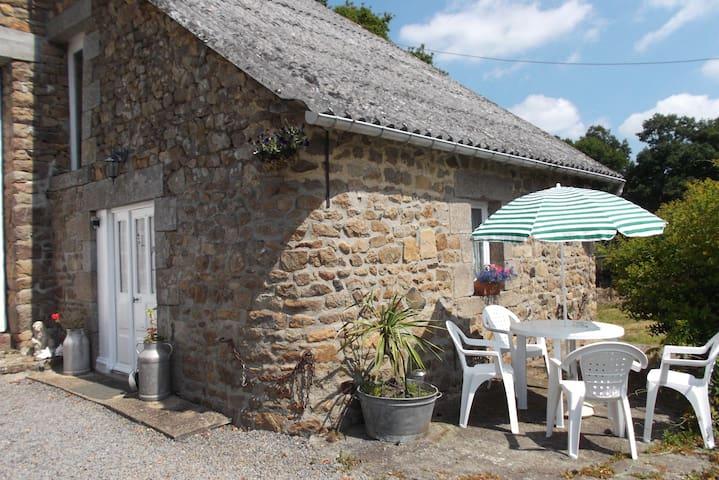 Rural Rustic Cottage Nr Le Mont St Michel - Saint-Broladre - Ev