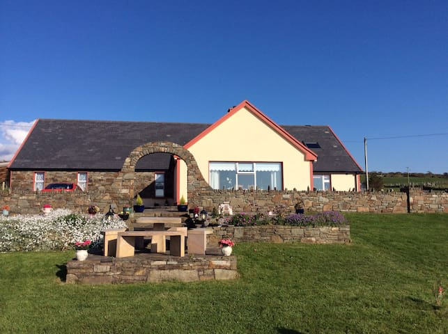 Formanes House B&B, Eyeries,Beara. - Eyeries,Beara, Cork, Ierland - Bed & Breakfast