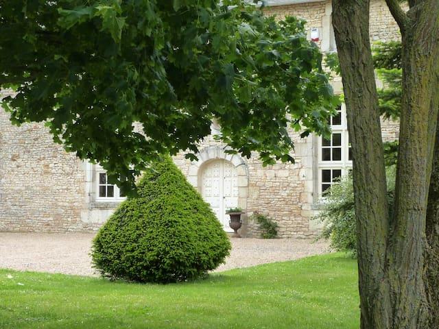 Maison de famille - 8 personnes - Piscine - La Chaussée - Hus