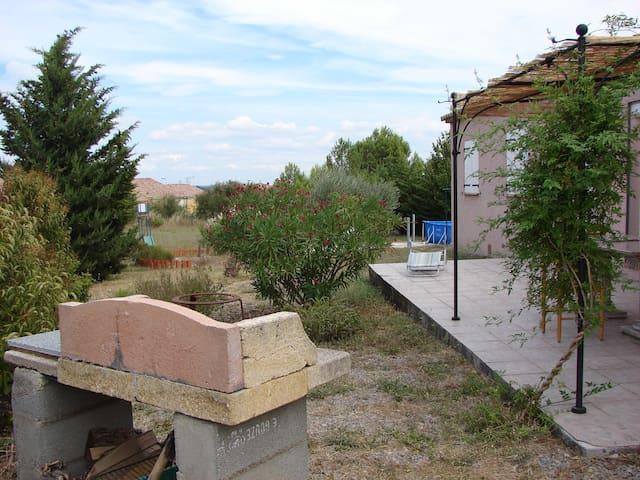 Chambres : la semaine 240€ - Lézignan-Corbières - Casa de camp