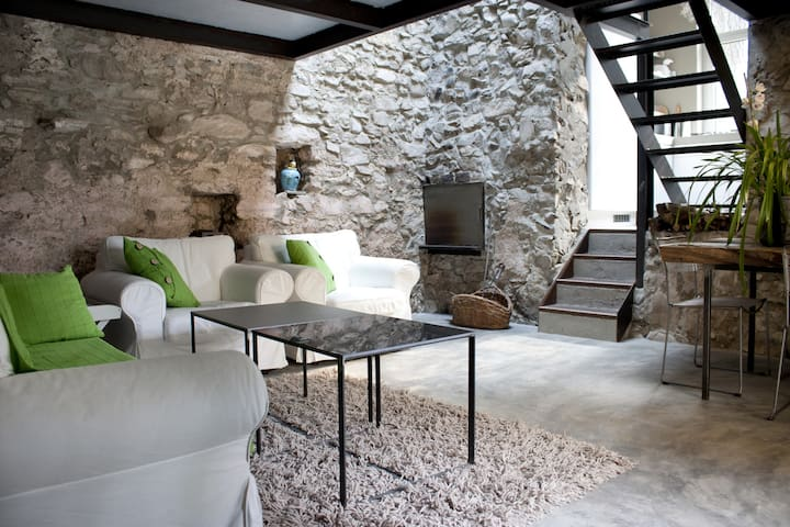 Lake Como Romantic Stone Cottage 4P - Argegno - Loteng Studio