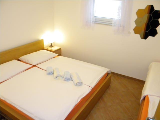 Rooms Pr'Koreno - Sava, near Bled - Žirovnica - Departamento