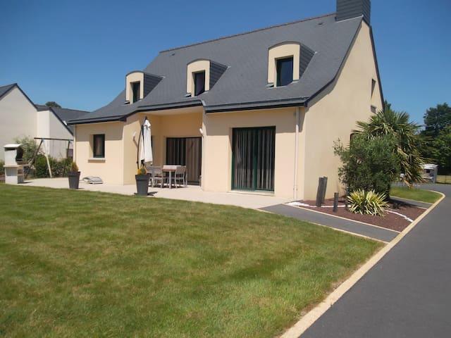 charmante maison  - Plélan-le-Grand - Casa