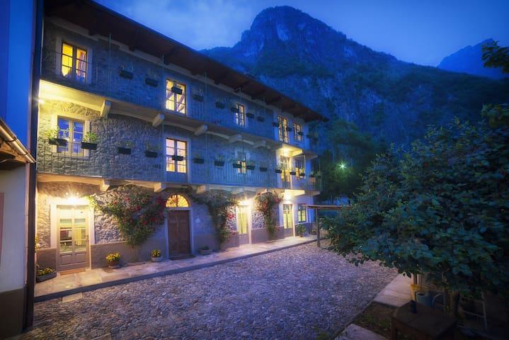 Splendida casa di campagna del 1800 - Nibbio - Szoba reggelivel