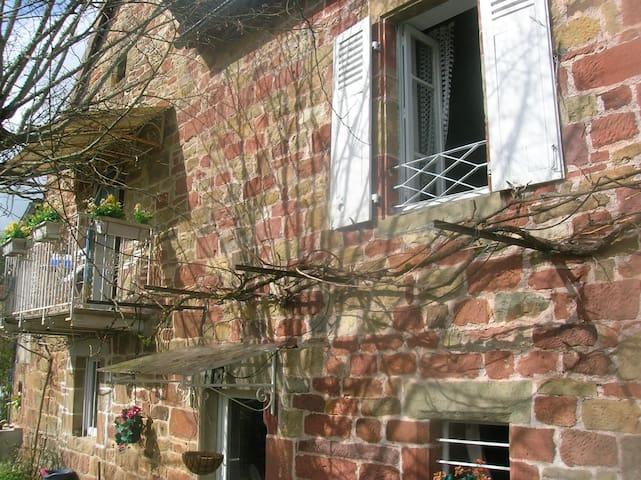 Maison de ferme au calme à coté bourg & église XII - Noailhac, Corrèze - Casa
