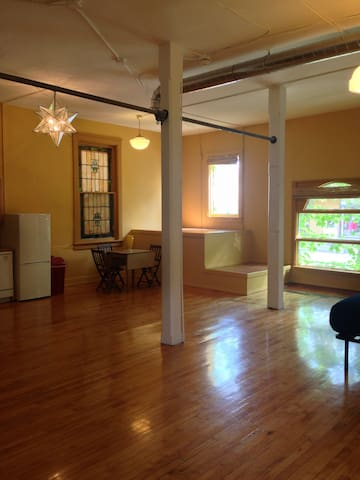 Entire apartment-Private - Madison - Appartement
