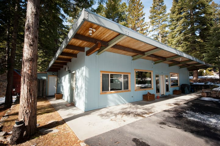 Pvt. attached studio by the lake - Carnelian Bay