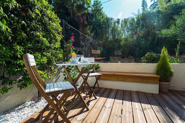 Studio design et agréable terrasse - Niza - Departamento