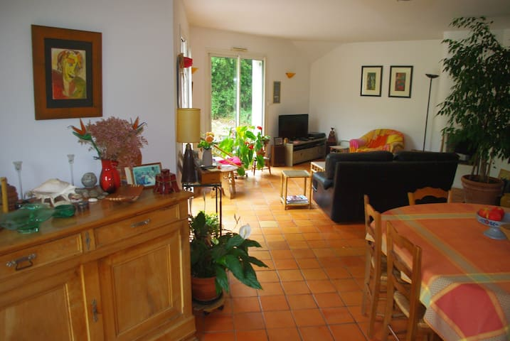 Bedroom & breakfast for 2 or 3 - Saint-Léger-des-Bois - Hus