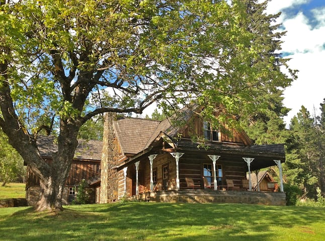 Gorgeous Home in Trout Lake - Trout Lake - Huis