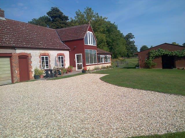 Converted barn cottage Wylye Valley - Warminster - Квартира