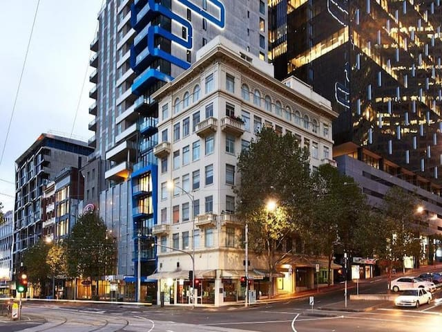BOUTIQUE APTMNT IN HEART OF CITY - Melbourne - Appartement