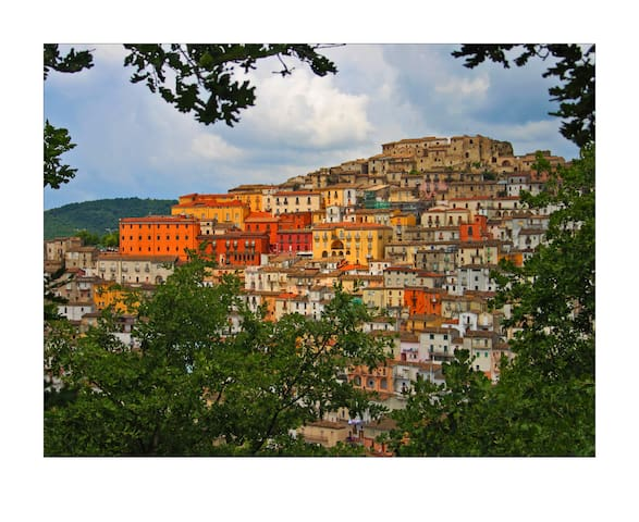 Historic Home in Old Italian Borgo - Calitri