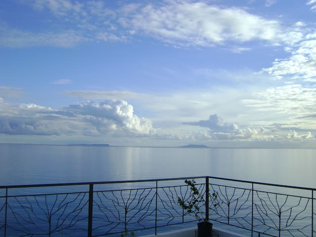 Airy, Dreamy, Unbelievable View! - Himare - Bed & Breakfast