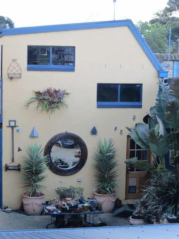 Garden Retreat close to Avalon - Lara - Villa