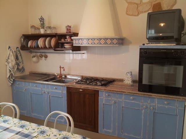 Casetta in piccolo borgo - Urbino - Huis