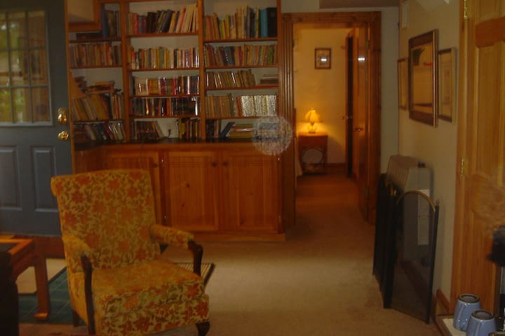 Great location for Hiking, Skiing, - Laconia - Huis