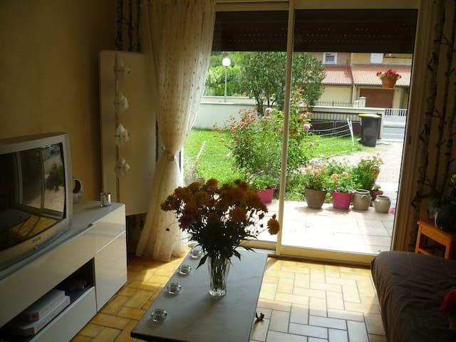 Chambre dans maison au calme - Riom - Casa