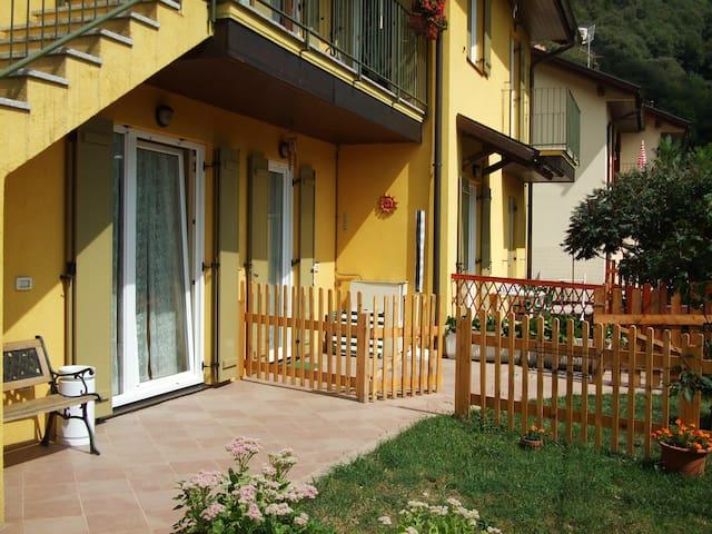 appartamento con giardino autonomo - Canzo