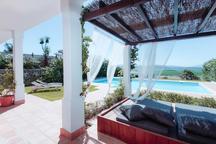 Spectacular Views, Amazing Villa - Benalup-Casas Viejas - Villa