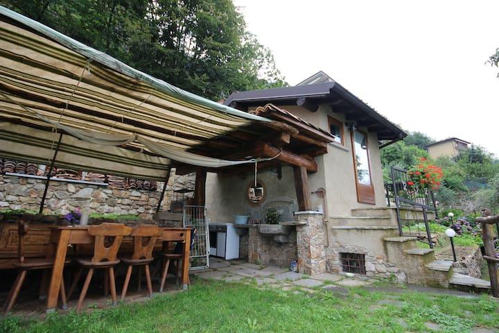 Little sweet house on Como lake - Bellano - Casa
