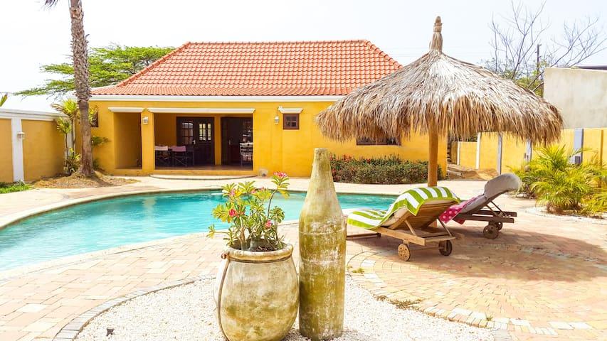 Caribbean style house - 3 bed/2bath - Oranjestad - Casa