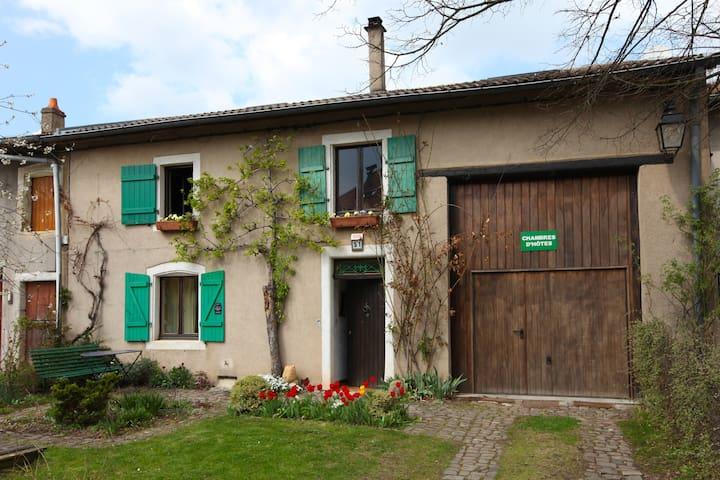 Chambres d'hôtes à Burtoncourt - Burtoncourt - Pousada