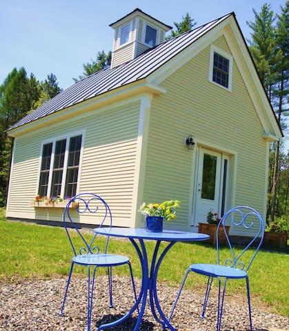 Charming Schoolhouse Retreat  - Cabot - Rumah