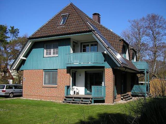ruhige Ferienwohnung in Prerow - Prerow - Apartament