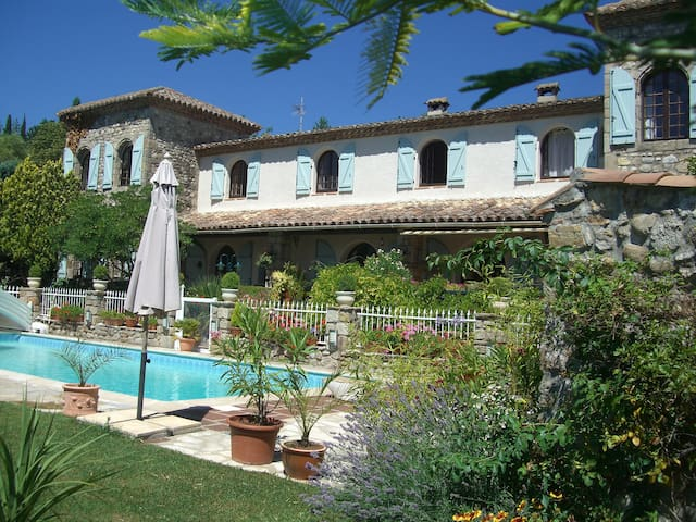 Stunning views and heated pool - Lodève - Daire