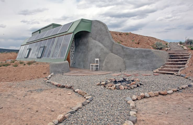 Brand New Studio Earthship - 陶斯 - 獨棟