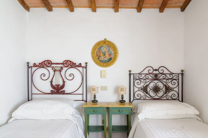 Tuscan Charme for 4 - Montechiaro - Casa