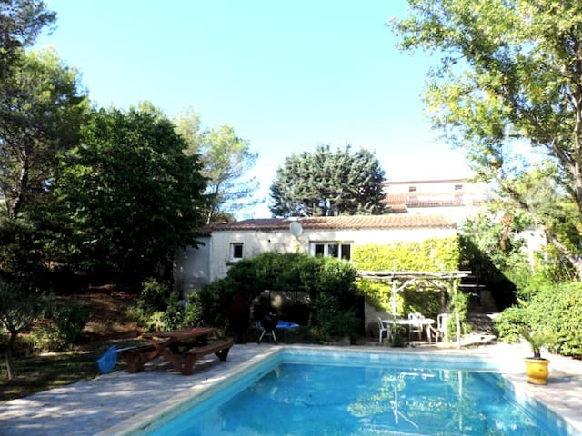 House for rent in the countryside - Le Triadou - Huis